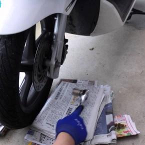 [PCX/メンテ] タイヤを「BATTLAX SC」に交換、ついでにブレーキパッドやシューなども交換