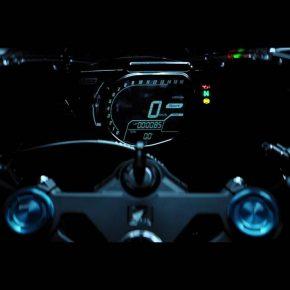 「CBR250RR」が正式発表、5段階調節可能なリンクサスに16,000rpmまで刻まれたメーター