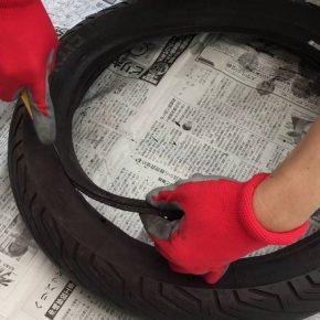 バイクの古タイヤを分解して処分する