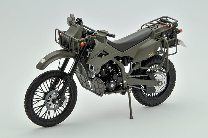 本物ソックリなKLX250陸自偵察仕様車とファイナルエディションの模型