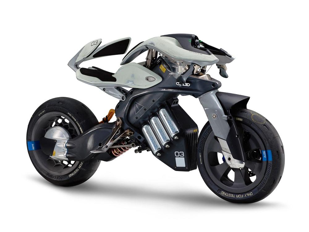 ヤマハ、近未来電動バイク「MOTOROiD」やロボット「MOTOBOT 2」など、東京モーターショー2017に出展