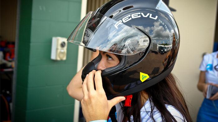 Reevu helmet 02