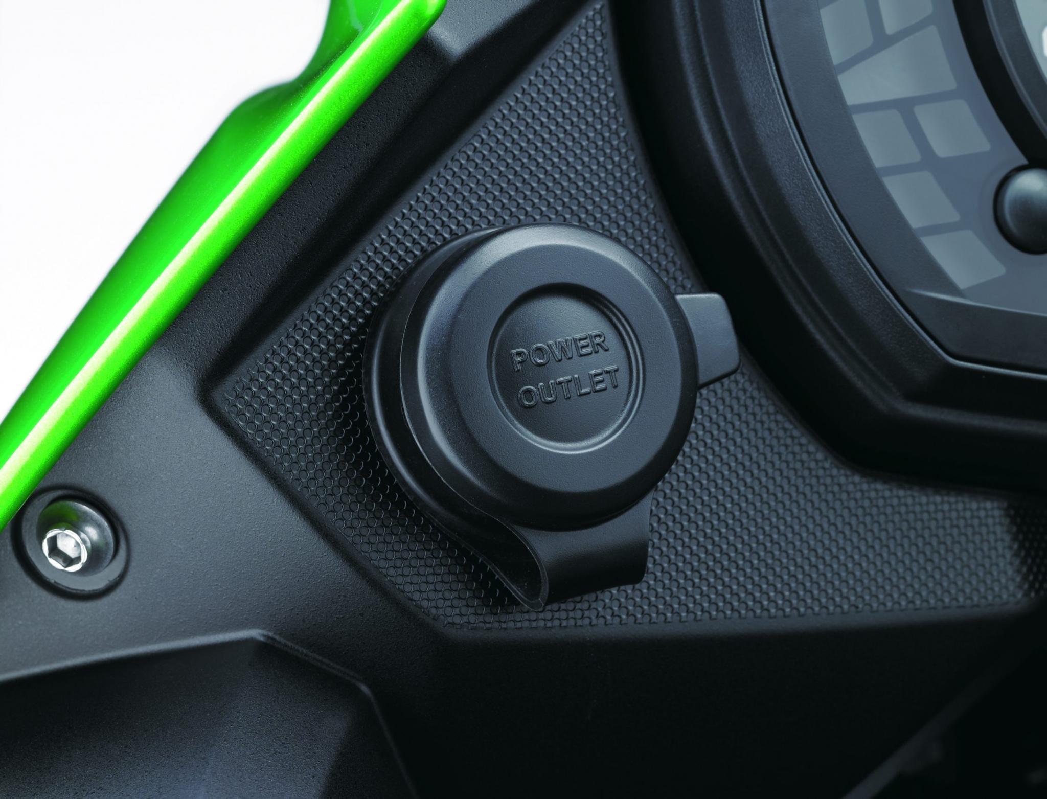 Kawasaki VersysX300 09