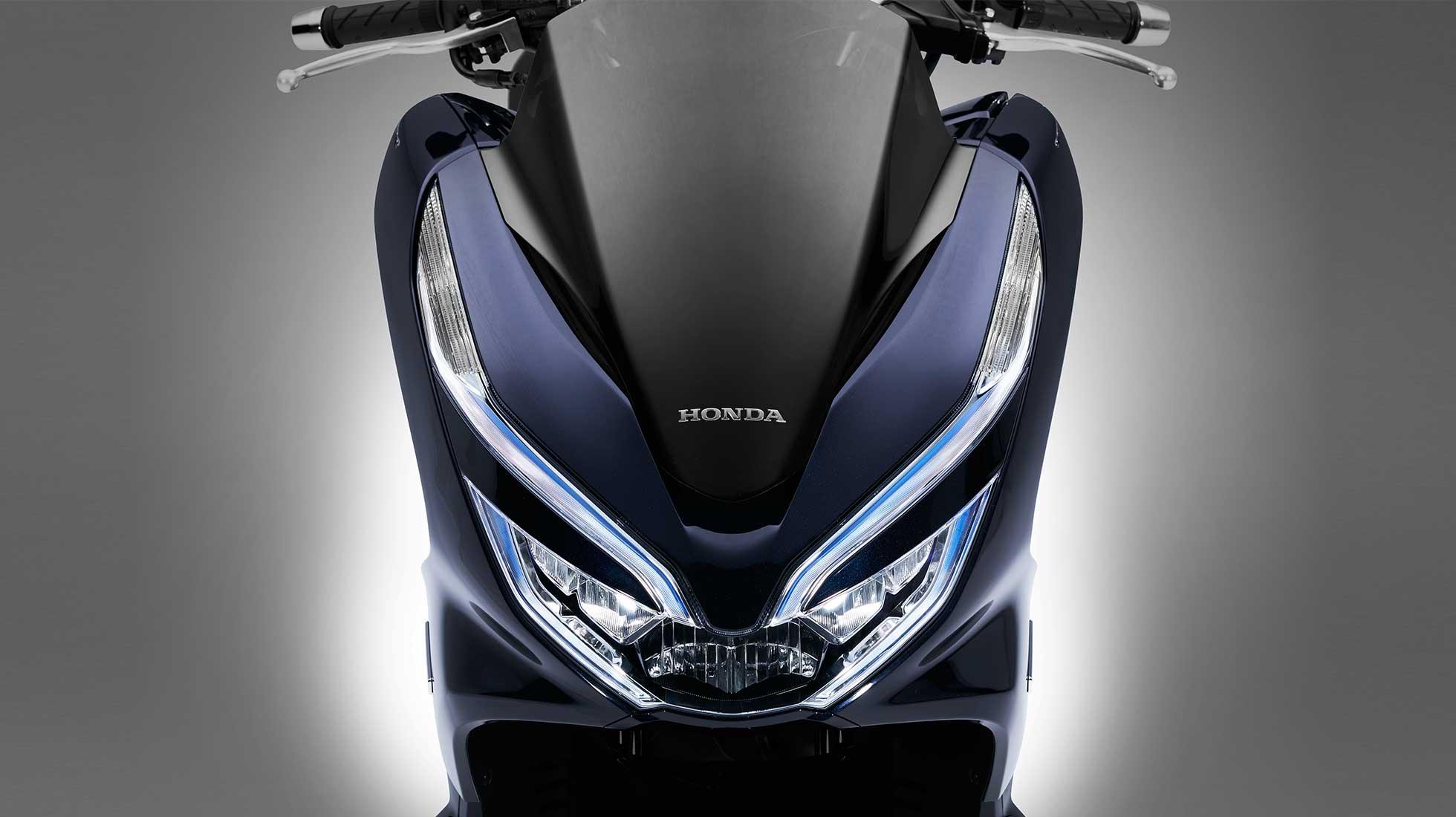 PCX Hybrid 05