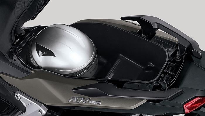 HondaADV150 01