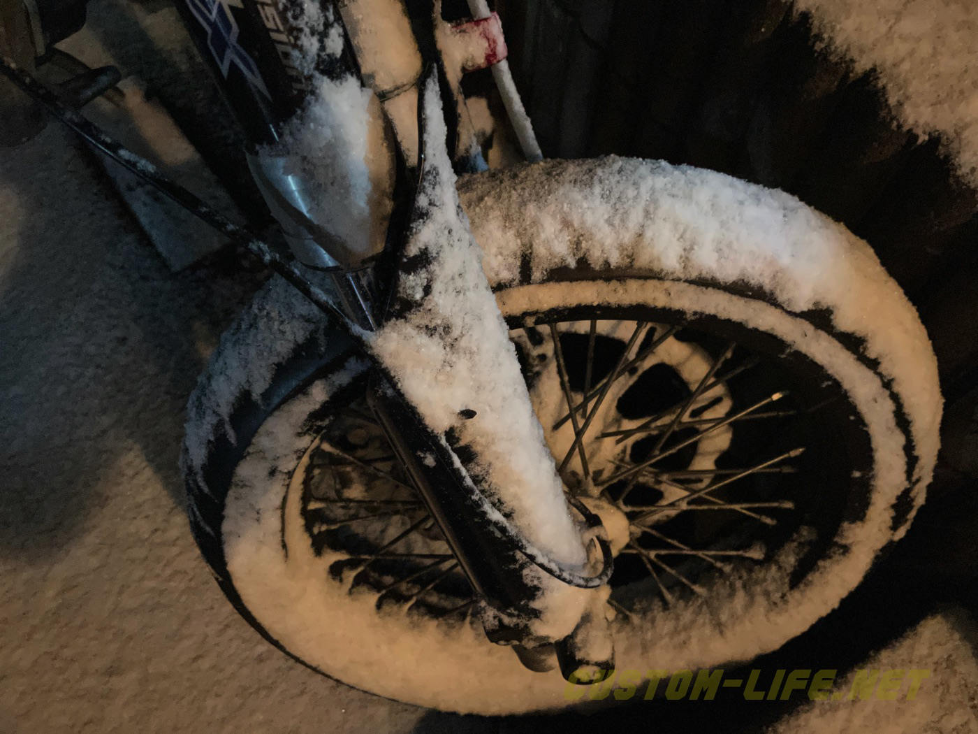 """<span class=""""title"""">冷え切ったキャブのバイクはキー挿しっぱでも安心!冷間始動がエグすぎる</span>"""